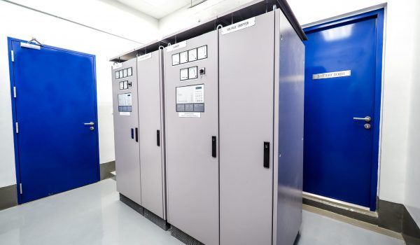 Electrical,Panel,Of,Inverter,And,Battery,Charger,Systems,For,Storage